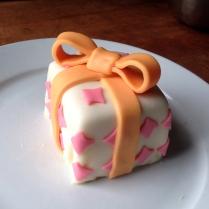Small present cake